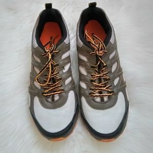 MERREL Boulder/Butterscotch Men's Hiking Shoes.